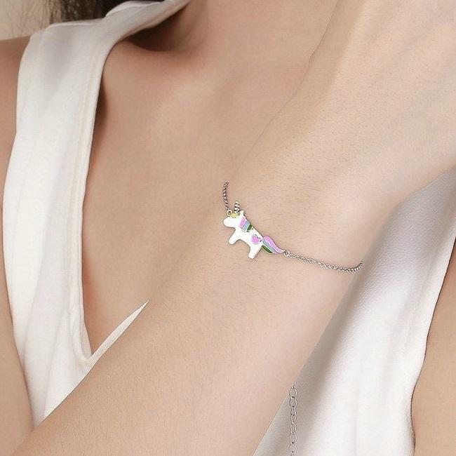 Ce bijuterii poti sa faci cadou unei domnisoare de 20 de ani?