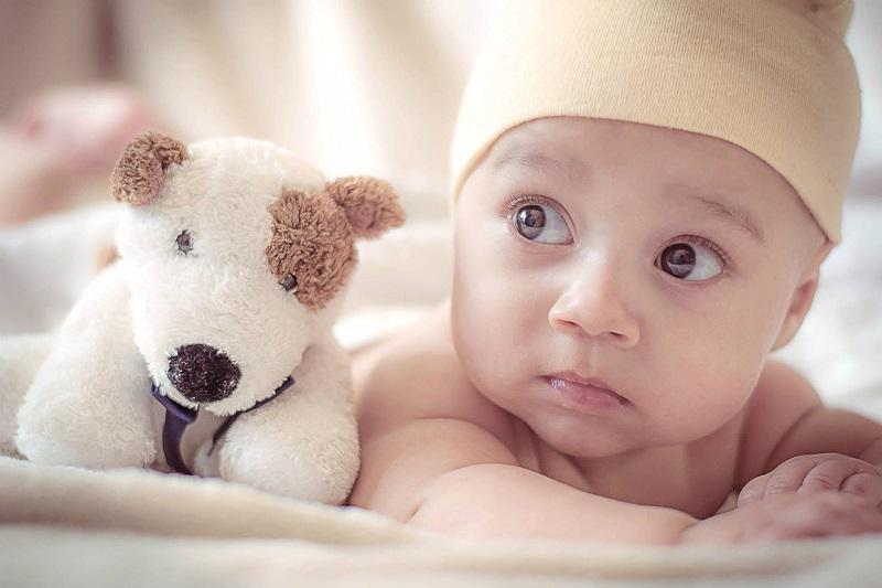 Abia astepti sa-ti strangi la piept copilasul? Asigura-te intai ca aceste haine nou nascuti nu-i lipsesc din dulap!